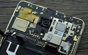 Mobile phone motherboard soldered built-in memory chip